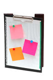 Ouvrez le cahier avec des notes de post-it Photo stock