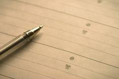 Ouvrez le carnet avec des contacts d'affaires images libres de droits