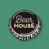 Ouvrez le chapeau de bouteille à bière avec l'inscription de brassage dans le style de vintage Photo stock