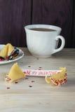 Ouvrez le jour et le thé de valentines de biscuit de fortune Image libre de droits