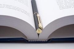 Ouvrez le livre Images stock