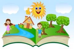 Ouvrez le livre avec des enfants et le paysage d'été Image libre de droits