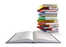 Ouvrez le livre et une pile de livres Photos stock