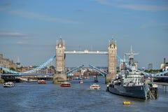 Ouvrez le pont Londres de tour Images libres de droits