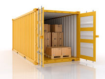 Ouvrez le récipient d'expédition avec des boîtes en carton et des palletes Photo stock