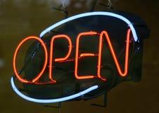 Ouvrez le signe Photo stock