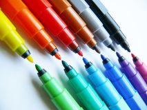 Ouvrez les crayons lecteurs feutres (les repères) images stock