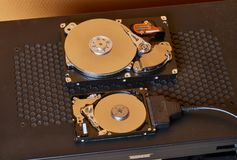 Ouvrez les disques durs Image libre de droits