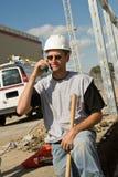 Ouvrier au téléphone Photos stock