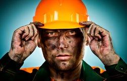 Ouvrier d'industrie pétrolière de verticale Images libres de droits