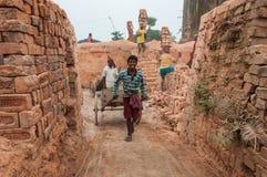 Ouvrier de brique photo libre de droits