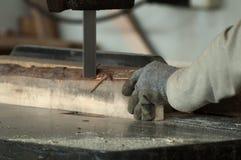 Ouvrier de travail du bois photos libres de droits