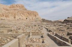 ouvriers égyptiens de remorquage de medina de l'Egypte de deir antique d'Al Photographie stock libre de droits
