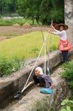 Ouvriers chinois de pays Images libres de droits