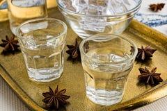 Ouzo ou Raki traditionnel de boissons images libres de droits