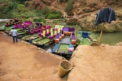 Ouzoud siklawy blisko Tanaghmeilt wioski, Uroczysty atlant, Maroko Zdjęcia Royalty Free