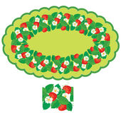 Ovaal kader met geïsoleerde Aardbeien, bloemen en bladeren Royalty-vrije Stock Afbeeldingen