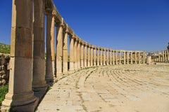 Oval plaza, Jerash Royaltyfri Bild