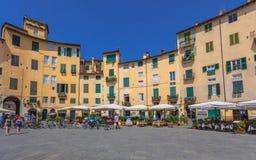 Oval stadsfyrkant i Lucca Arkivfoto