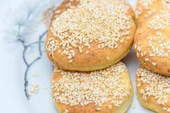Ovale koekjes op een witte plaat Royalty-vrije Stock Afbeelding