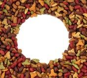 Ovaler oder Kreisrahmen des Lebensmittels des Haustieres (Hund oder Katze) für Hintergrundgebrauch Stockfoto