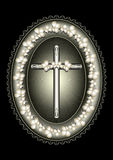 Ovaler silberner Rahmen mit Kreuz gestaltetem Spitzensaum Lizenzfreies Stockfoto