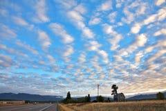 ovanför american clouds den pittoreska vägen Arkivbilder