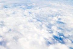 ovanför att flyga för oklarheter Solig sikt från flygplanet, mjuk fokus fotografering för bildbyråer