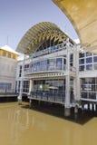 ovanför byggd översvämmad galleriaflodshopping Royaltyfri Fotografi