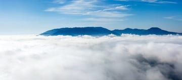 Ovanför clouds3en fotografering för bildbyråer
