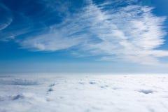 Ovanför clouds8en royaltyfria foton