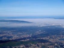 ovanför den höga staden Arkivbild