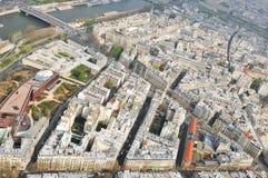 ovanför den sedda staden Arkivbild