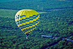 ovanför den varma dalen för luftballong Royaltyfria Foton