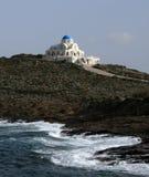 ovanför det kyrkliga greece havet Royaltyfri Bild