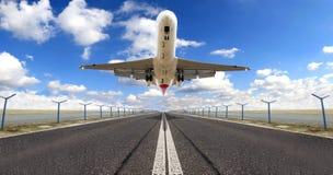 ovanför jetlandningsbana royaltyfri bild