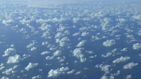 Ovanför molnen HD-antennlängd i fot räknat. stock video