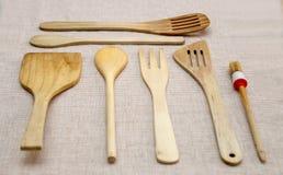 Ovanför Wood kökhjälpmedel royaltyfria bilder