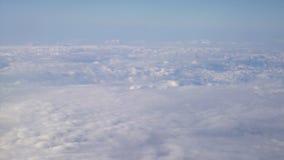 ovanf?r att flyga f?r oklarheter Solig sikt fr?n flygplanet, mjuk fokus stock video