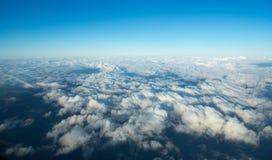 Ovanlig flyg- cloudscape Arkivfoton