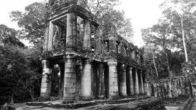 Ovanlig tempel på Preah Khan Royaltyfria Foton