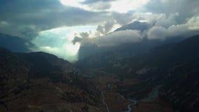 Ovannämnt maximum för soluppgång i det Himalaya området, Nepal stock video