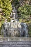 Ovato springbrunn på villan D'Este i Tivoli Royaltyfria Foton