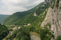Ovcar卡布拉尔峡谷全景,西摩拉瓦河河 库存图片