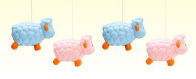 Ovejas coloreadas para los recién nacidos Imágenes de archivo libres de regalías