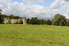 Ovejas que pastan en el parque de la abadía, Lacock Fotografía de archivo
