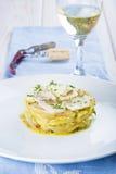 Oven gebakken kabeljauwvissen met aardappels Royalty-vrije Stock Afbeeldingen