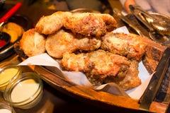 Oven gebakken kip stock afbeeldingen