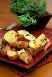 Oven Geroosterde Aardappels Herbed Stock Foto