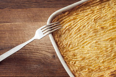Oven homemade shepherds pie with cheesy mashed potatoes Stock Photos